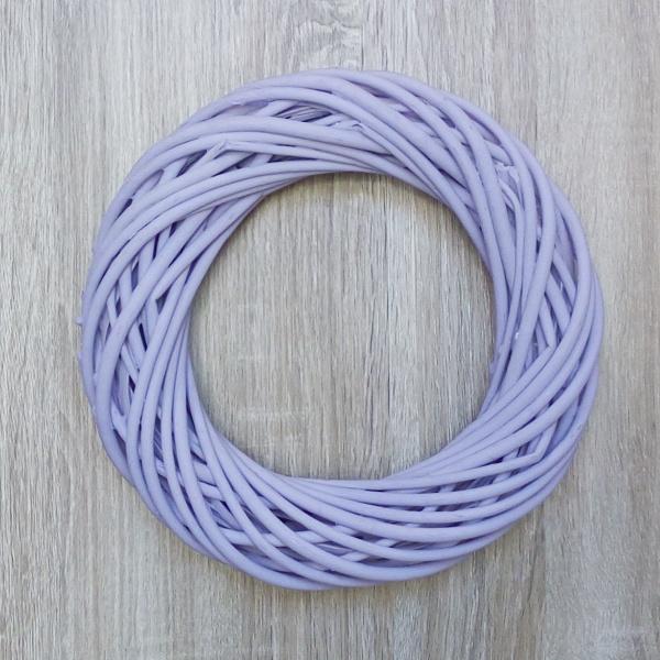 9b1e29cc8 Prútený a prírodný tovar | Prútený veniec 25 cm fialový ...